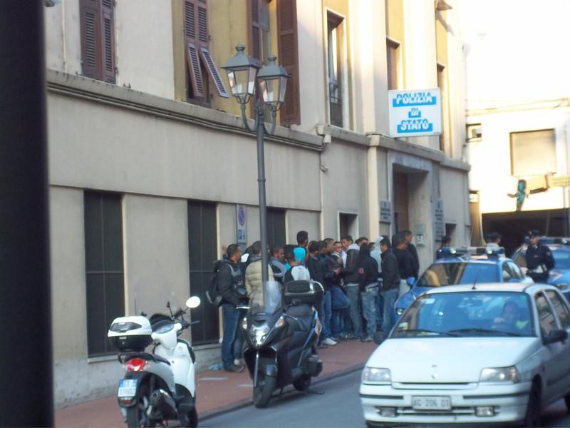 Migranti di rientro: Iniziato il rilascio di un nuovo permesso di soggiorno umanitario: Ponenteoggi